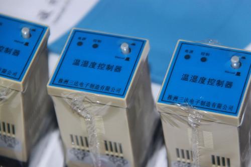 温湿度控制器SD-ZW100出厂图